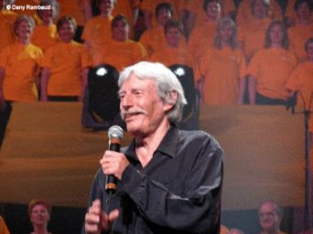 2004) Jean FERRAT au Colisée Pepsi à Québec  le 28 Août