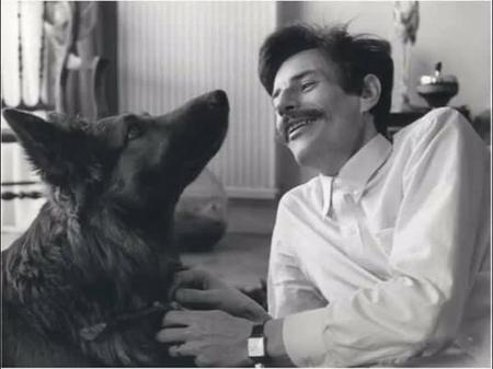 """1969) Jean FERRAT et son chien """" OURAL"""