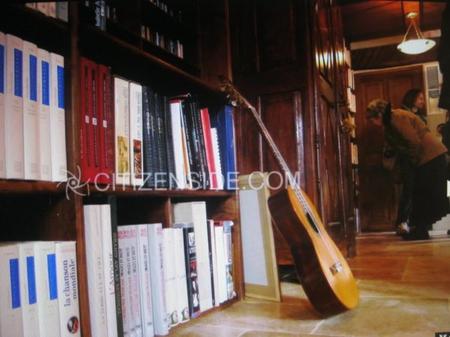 """2013) Inauguration de la  """" Maison Jean FERRAT """" -  Bureau + Bibliothèque  ( 2ème étage) -  le 12 Mars 2013 à Antraigues (07530)"""
