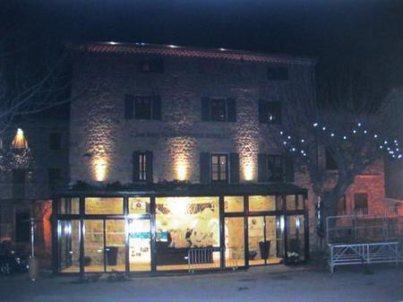 2013) La Maison Jean FERRAT la nuit - Le 12 Mars 2013 à Antraigues (07530)
