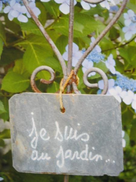 1998) Jean est au jardin