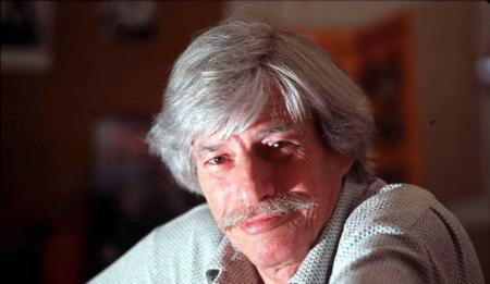 1998)  Jean FERRAT chez lui à Antraigues sur Volane