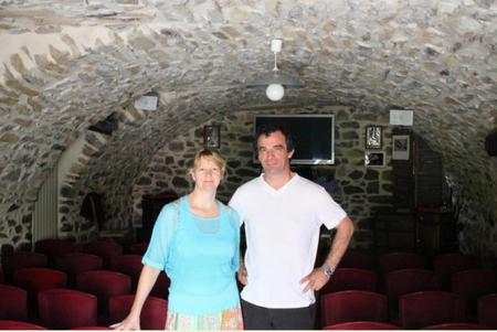 """2014) Jean Marc Moutet et son épouse  l'auteur du Spectacle """"Jean D'ici FERRAT le cri """""""