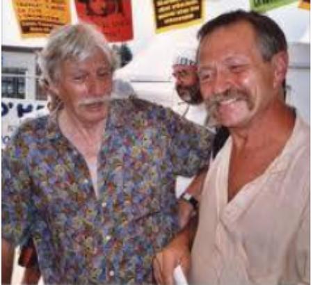2003) Jean FERRAT et José BOVE lors du congrès Altermondialiste le 9 août 2003 à L'Hospitalet du larzac (12230)