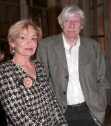 1991) Jean FERRAT avec sa femme Colette avant d'entrer en studio à France 2