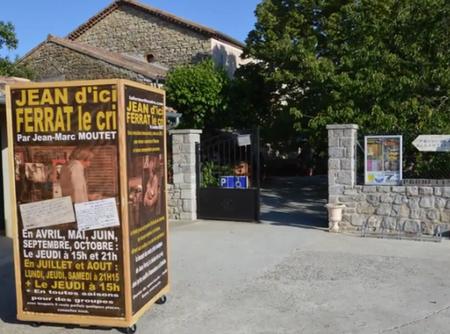 """2015) Spectacle  """" Jean d'ici FERRAT le cri """" à Lablachère 07230 le 6 juin 2015"""