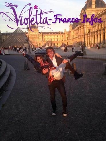Tini au Louvre ( je ne sais pas qui c'est à côté )