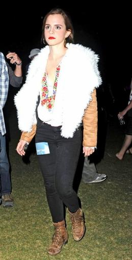 . ● 15/04/12 Emma s'est rendue au concert de Florence and The Machine au festival Coachella..