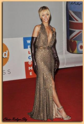 "Rihanna Brit Awards ""Londre"" 2012"