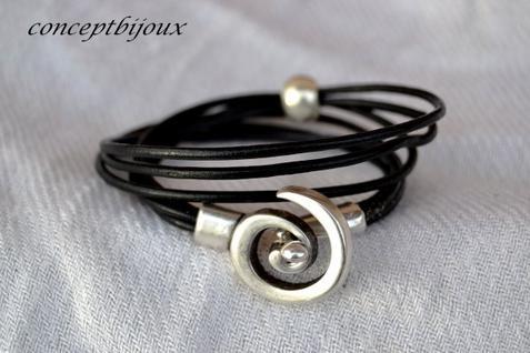 bracelet cuir lacet double et breloque
