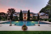 F*ck this Bieber's house.