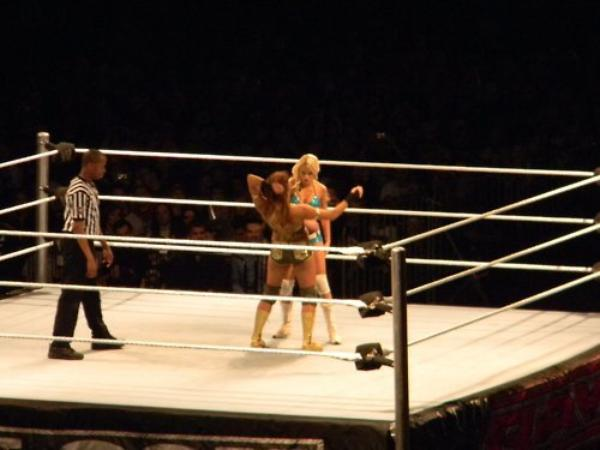 Eve Torres & Kelly Kelly