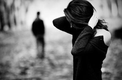 """""""Le chagrin ne vous change pas, il vous révèle.""""       ~> John Green, Nos Etoiles Contraires"""