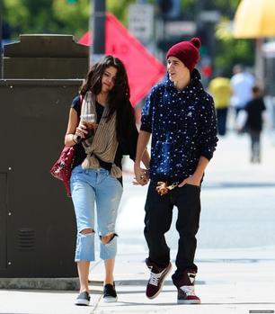 04/04 Selena avait rendez-vous chez son médecin dans Los Angeles.