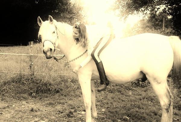 L'amour entre un cheval & sa cavaliere ♥♥