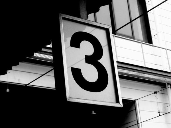 """Number 3 : """" Dual meet """""""
