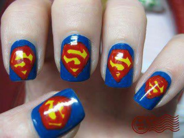 Nail Art Superman.