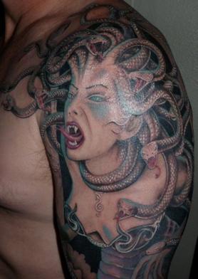Tattoo d'une femme méduse