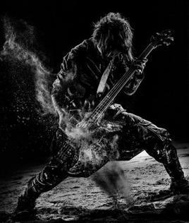 Le bassiste: Reita