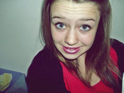 - « L'argent ne fais pas le bonheur, car le bonheur n'a pas de prix » ♥.