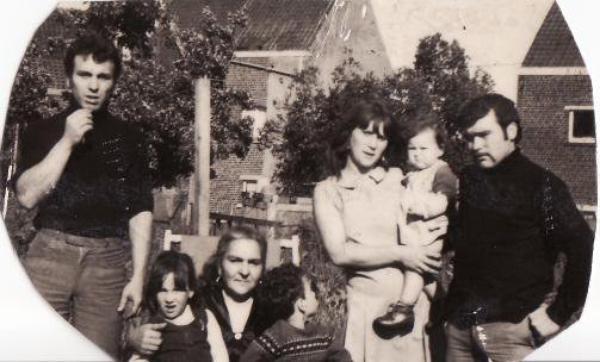 bernard,florel ,jana ,johnny ,louis et ca femme et son premier enfant