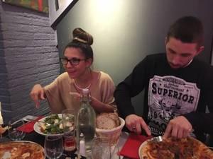 bonsoir a vous tous ont n'as passer un super week-end avec mon neveu et hier ma fille et mon beau-fils son venu au restaurant avec nous je vous souhaitent une très bonne soirée ainsi qu'une ne douce nuit gros bisous