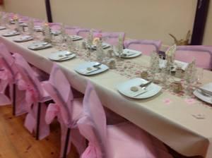 et oui c'est pas finit voici la salles des fètes des mariées trop belle