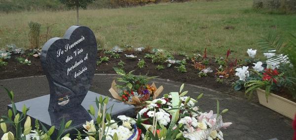 Stèle en souvenir des victimes de la route ♥ Calais ♥