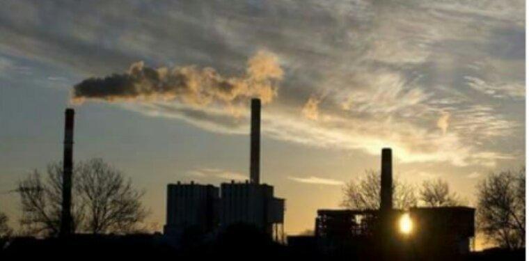 Gaz à effet de serre: les émissions de la France en baisse de 16% entre 1990 et 2014