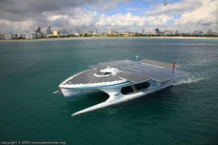Un bateau qui lutte contre la pollution plastique