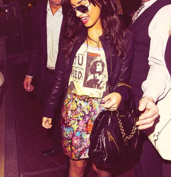 .  DemetriaL ta source pour suivre l'actualité de Demi Lovato     .