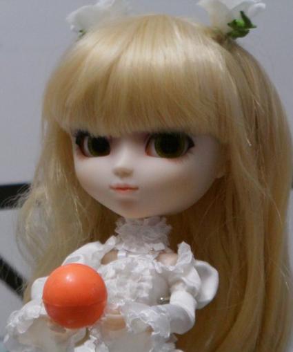 Pullip : Séance photo : Kirakishou et la balle orange