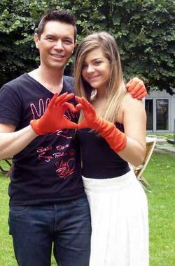 Deux mains rouges