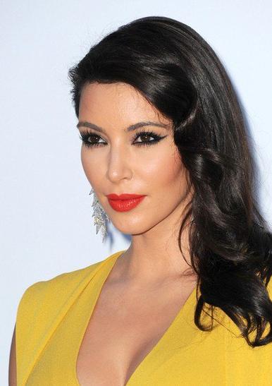 """24\05\12 Kim présente a l'événement """"amfAR Cinema Against AIDS"""" à Cannes"""