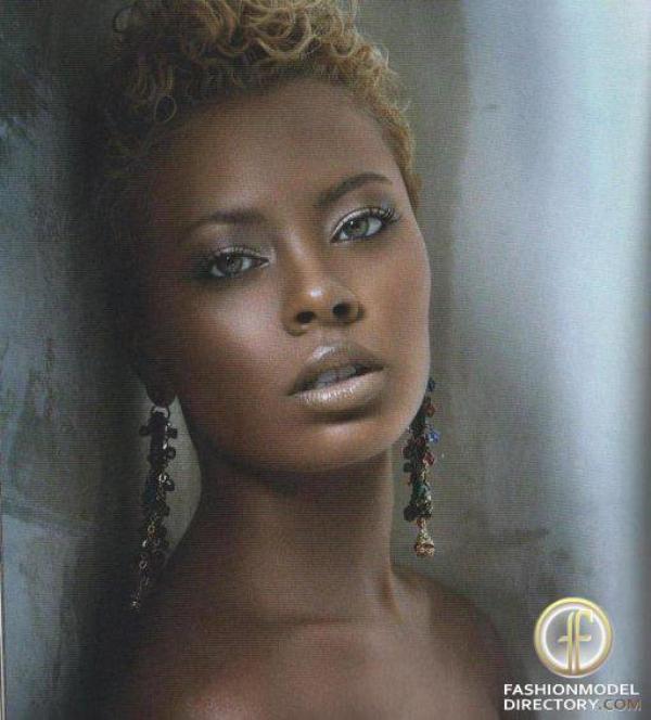 Eva la diva ,gagnante de la 3eme saison de Top model usa