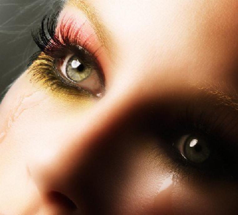 القَـســـوة لَـيــســت دائـمـاً عـنـــوان للـقـلـــوب الـقاسيـة .. فـبـعـض القـلـوب الـطـيـبـة تـقســـو لأنـهـا مـجـروحـــة...♥♥