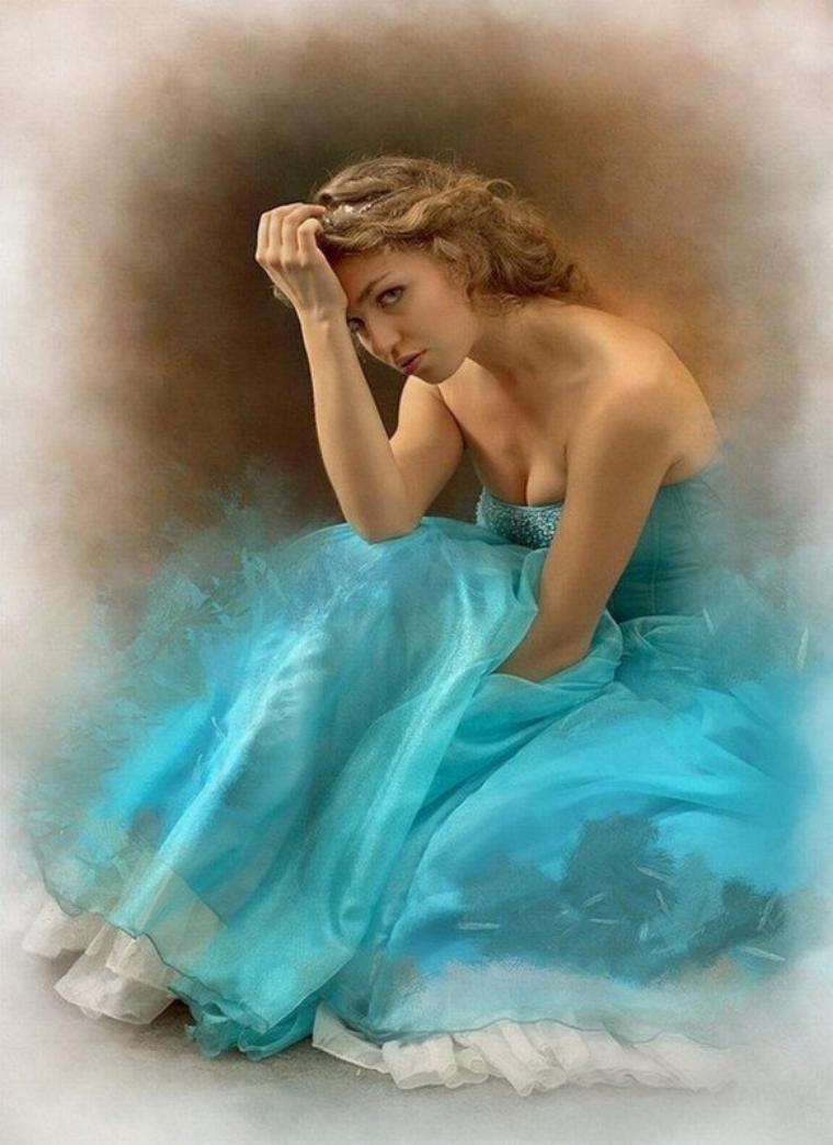 الفراق .... نار ليس للهيبه حدود .... لايحسه الا من اكتوى بناره الفراق لسانه الدموع .... وحديثه الصمت .... ونظره يجوب السماء عند الفراق .... اجعل لعينيك الكلام .... فسيقرأ من احبك سوادها .... و اجعل وداعك لوحة من المشاعر