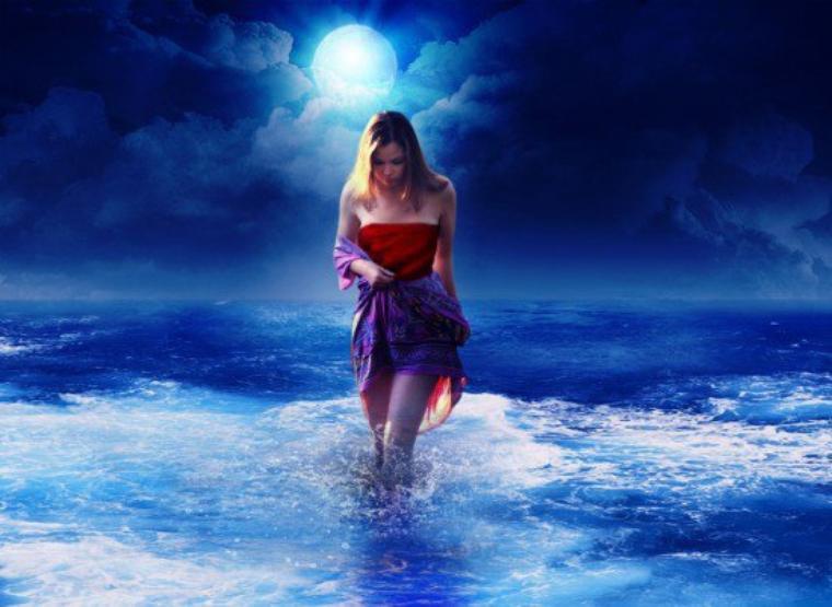 """ليت البحر يحكي لي أسرار مآفيه حتى يعرف الفرق بينه وبيني ~~ إن كآن موجه يشكي اللي يعانيهأنا """" دموع الحزن """" عنوآن عينيأ ضحك وأجامل وألشقا مبتليني"""