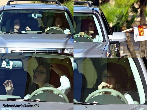 Photos de Selena datant du 03 janvier, on peut la voir en compagnie de sa cousine s'arrêtant au McDonald puis à la station essence.