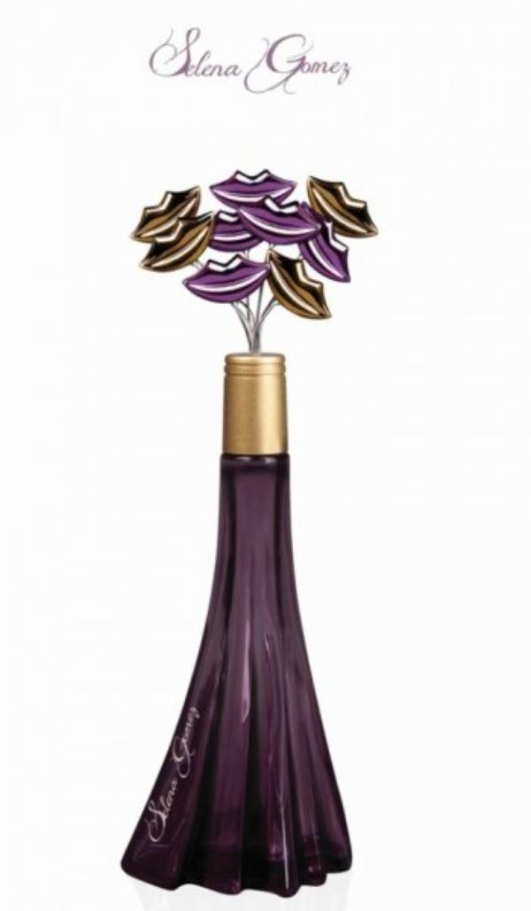 Découvre le flacon du premier parfum de Selena !