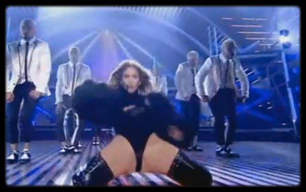 Kyle Jenner et jaden Smith à New york le 29 Mai 2013 / Willow & Jaden Smith et leur famille le 29 Mai 2013 à New York / Cassie pour Esquire Magazine / Rihanna - Right Now (Cover) / Kelly Osbourne traite Lady Gaga d'hypocrite et de profiteuse / Jennifer Lopez choque les Britanniques avec une prestation trop hot / BEYONCÉ RENFORCE LA SÉCURITÉ DE SES CONCERTS / MILEY CYRUS ET LIAM HEMSWORTH SE SÉPARENT