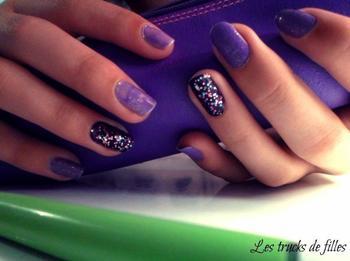 105 ème article: Nail Art simple, violet pale ! :)