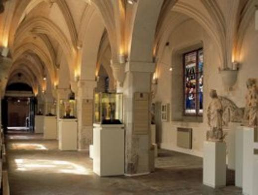 EGYPTE  :          LE  MUSEE  DEPARTEMENTAL  DES  ANTIQUITES  DE  ROUEN  .  (  suite  )   :