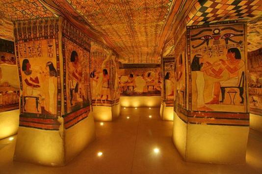 EGYPTE   :          LE  MUSEE  DE  TESSE  AU   MANS  (   SUITE  )  .