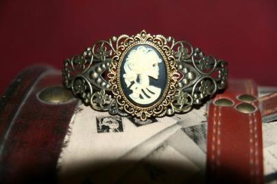 Nouveau bijoux disponibles: bracelets