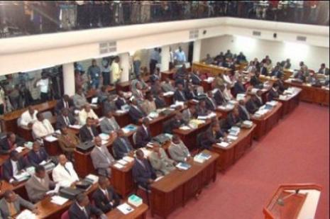 Haïti-parlement : Martelly souhaite de meilleures relations entre le parlement et l'exécutif