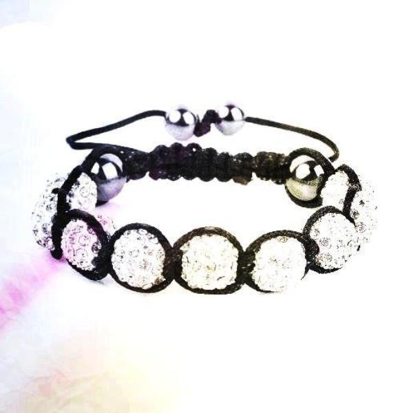 Article n°3: Shamballa / by Julie et Emilie