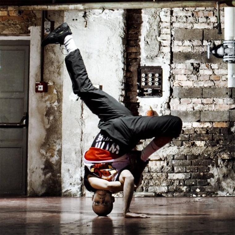 lilou le roi de breck dance algerien 2011