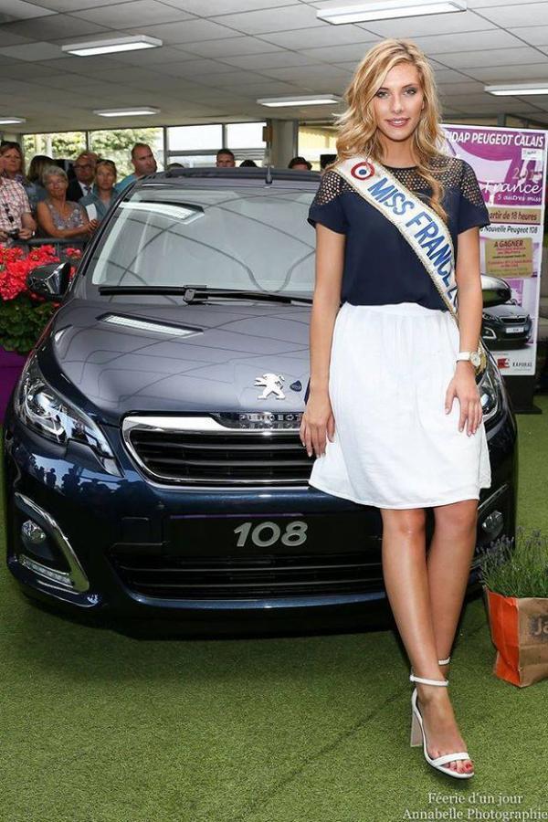 Camille - Remise de sa Peugeot 108