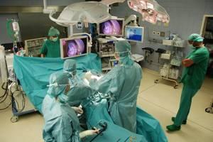 'opération tourne mal : un patient de l'hôpital de Cherbourg demande 732 000 ¤ de dommages et intérêts